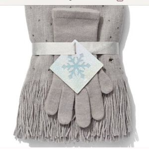 COPY - Scarf and gloves BUNDLE ME NWT